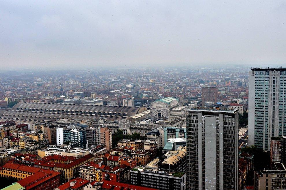 35 piani sopra milano tra grattacieli e fazzoletti di for Piani di campagna in collina