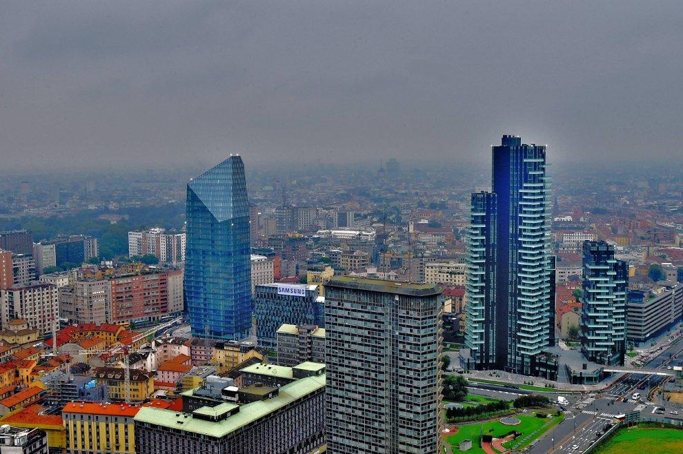 35 piani sopra milano tra grattacieli e fazzoletti di for Piani del granaio di campagna