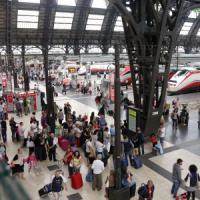 Milano, 17enne trova mille dollari in contanti alla Centrale e li consegna
