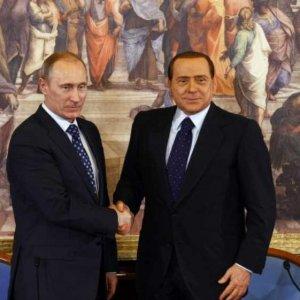 Ruby ter, Berlusconi chiamato in tribunale. Ma prima vola ancora dall'amico Putin