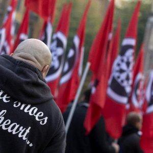 """Raduno Casapound: dopo Milano, no da Castano Primo: """"Ingannati"""". E un gruppo di militanti minaccia il sindaco"""