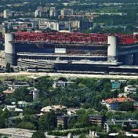 Milano, il primo derby della M5. Il Comune ai tifosi: