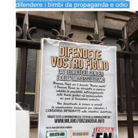 Manifesti anti gender a scuola a Milano, Cecilia Strada su Fb: 'Ministro difendi i bimbi'