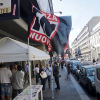 Milano, Forza Nuova distribuisce volantini contro la teoria gender nelle scuole