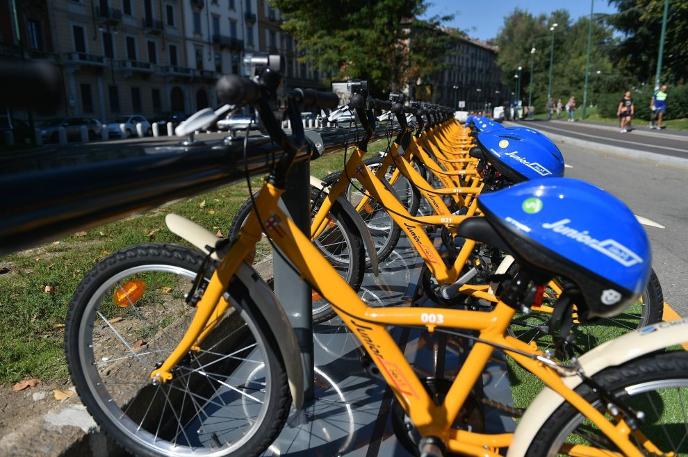 Milano bike sharing formato baby al castello partito for Mobile milano bike sharing