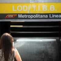 Milano, ancora disagi in metrò: stop a due fermate della lilla. Ferma la gialla per 30 minuti