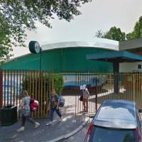 Milano, bravata notturna nella piscina federale: il bagno dei tre 17enni interrotto dalla polizia