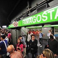 Milano, agguato all'uscita del metrò: sparano da un'auto, ferito a una