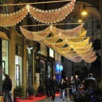 Milano, luci di Natale in centro e nelle periferie: in Comune parte la caccia