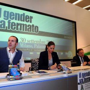 """""""No alla teoria gender nelle scuole"""", passa la mozione in Regione. """"Documento ignorante e oscurantista"""""""