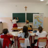 """Ora di religione, classi quasi vuote ma non si possono accorpare. E' rivolta: """"Privilegi..."""