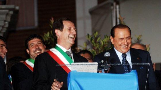 Tangenti, mille cariche e la passione per Berlusconi: ecco perché Mantovani era 'il faraone' di Arconate
