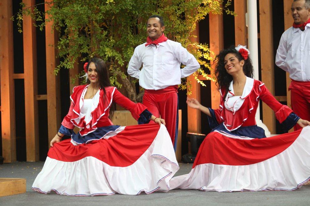 Expo, danze e costumi tradizonali per la festa della Repubblica Dominicana