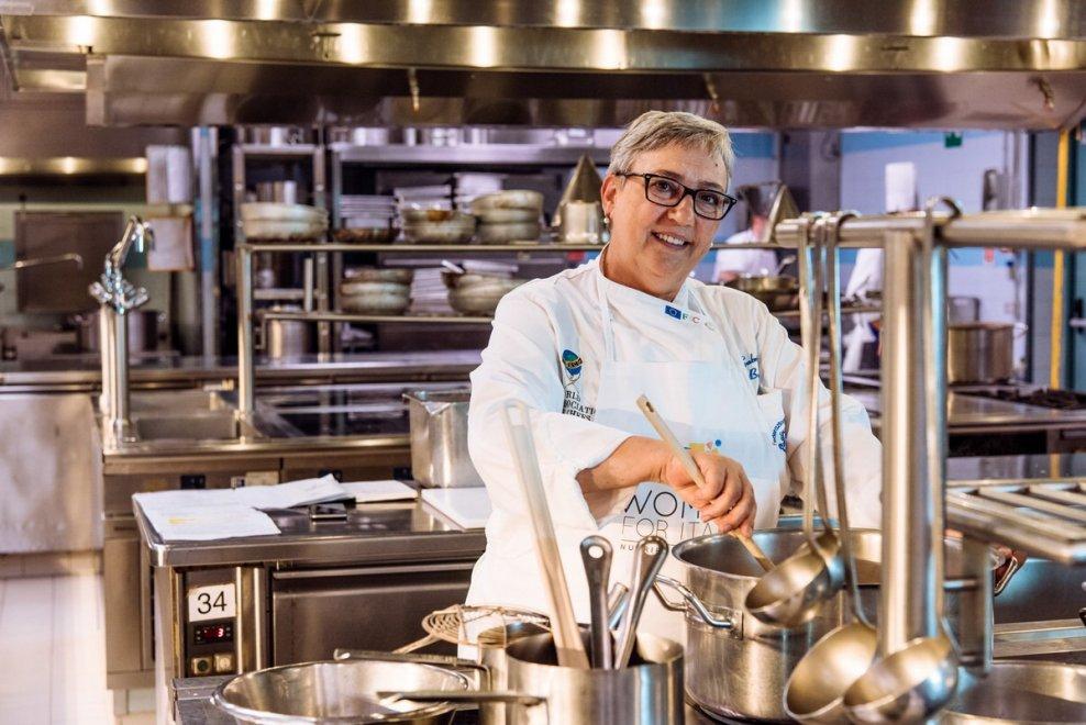 Milano, le super chef al lavoro sulla formula magica del grande pranzo della domenica