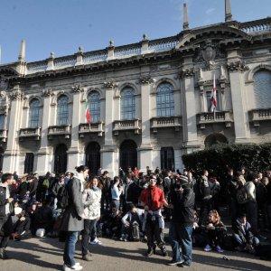 Milano, contro l'obbligo dei corsi in inglese i professori del Politecnico scrivono a Mattarella
