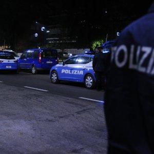 """Milano, ebreo ortodosso accoltellato al volto in strada. La comunità: """"Abbiamo paura"""""""