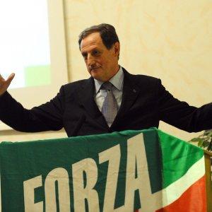 """Milano, pm attacca via vai di politici da Mantovani. """"E' un paradosso, ai domiciliari avrà meno contatti"""""""