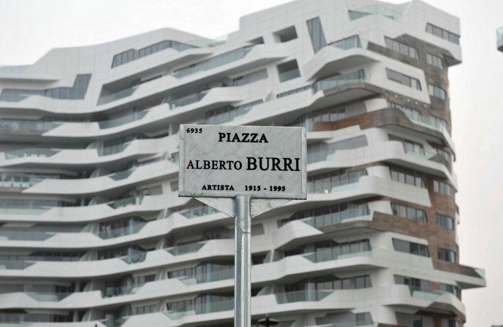 Milano, Alberto Burri e Tre Torri: a City Life nascono due nuove piazze