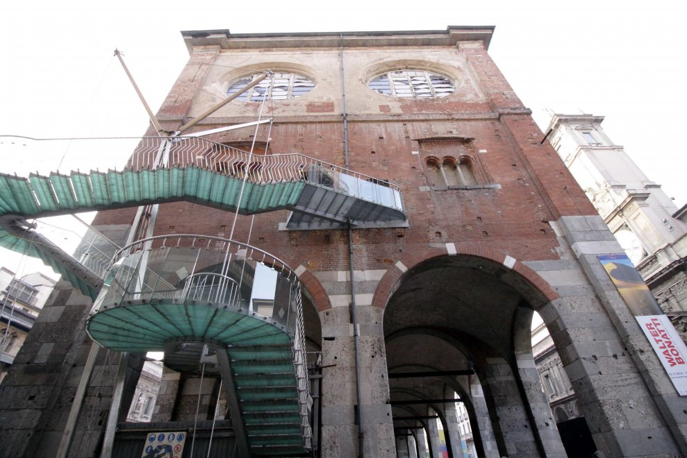 La Ragione Del Restauro.Milano Il Degrado E Padrone Del Palazzo Della Ragione 1 Di 1