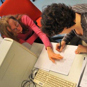 Ripetizioni per rimediare alle insufficienze a scuola: Milano è la città più cara d'Italia