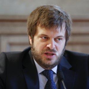 """Milano, Majorino candidato sindaco: """"In giunta voglio un assessore gay leader Lgbt"""""""