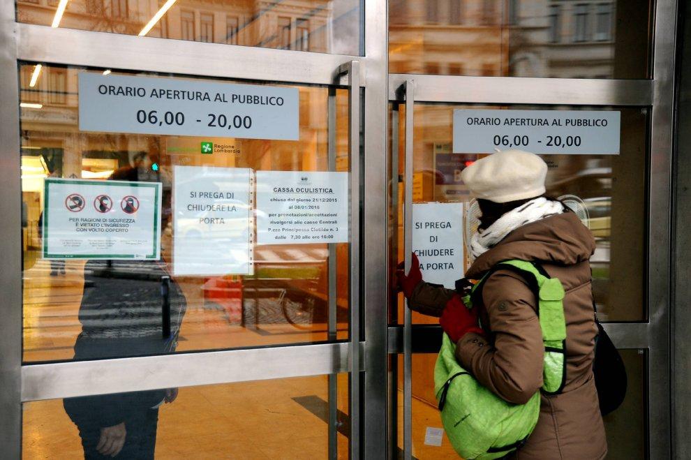 "Milano, i cartelli ""anti-burqa"" debuttano in ospedale"
