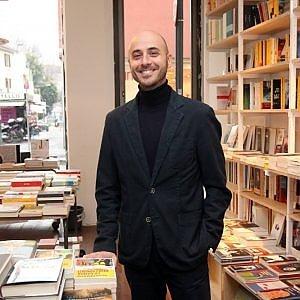 """Gli snob del Ticinese """"Da noi non c'è Verso di vendere bestseller"""""""