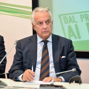 Milano, denunciò le spese pazze dei vertici di Ferrovie Nord: rimosso e messo in un angolo