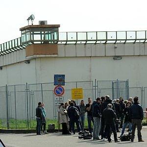 Monza, gestiva spaccio di coca dentro il carcere: arrestato poliziotto penitenziario