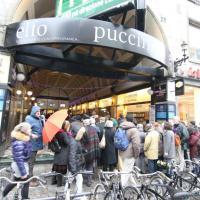 Primarie Milano, in fila per l'incontro con Balzani