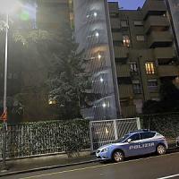 Milano, 14enne sorprende ladri in casa al ritorno da scuola: aggredito con un coltello
