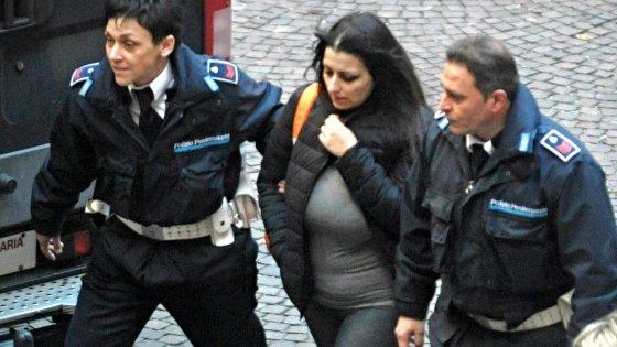 """Condanna per due della 'banda dell'acido': 16 anni a Martina Levato. """"Si sono accaniti su di me"""""""