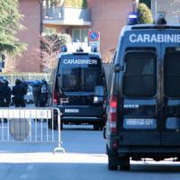 Bergamo, sassi e spranghe contro il bus dei tifosi dell'Inter: arrestati 10 ultrà dell'Atalanta. 7 feriti