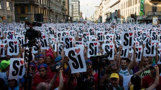 """Family Day, le associazioni Arcobaleno: """"Tweet bombing contro la Regione Lombardia"""""""
