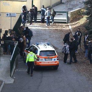 Brescia, malori a scuola: 25 studenti in ospedale con problemi respiratori