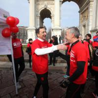 Primarie Milano, Sala maratoneta con Linus: l'endorsement è di corsa