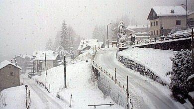 Ft  La primavera abbandona la Lombardia Nelle webcam le montagne innevate