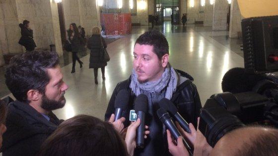 Milano, l'aggressione col machete contro il capotreno: tre condanne fino a 16 anni