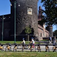Milano, parte Junior bike sharing: in 20 stazioni di noleggio le bici formato bambino
