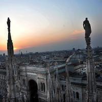 Duomo di Milano, San Valentino tra le guglie anche per le coppie gay: