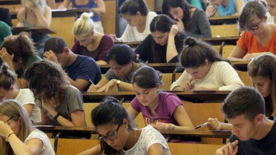 Milano, la Statale cancella il corso di Medicina in inglese test d'ingresso troppo tardi
