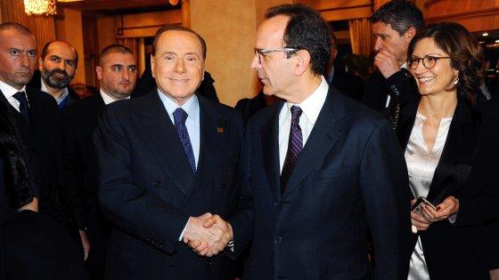 """Comunali, Parisi con Berlusconi alla cena che lancia la campagna: """"Vogliamo liberare Milano"""""""