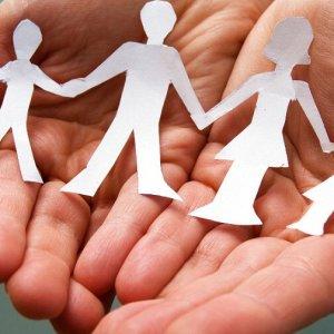 """Bonus bebè, Regione Lombardia esclude le famiglie adottive. Le coppie: """"Noi genitori al 100% """""""