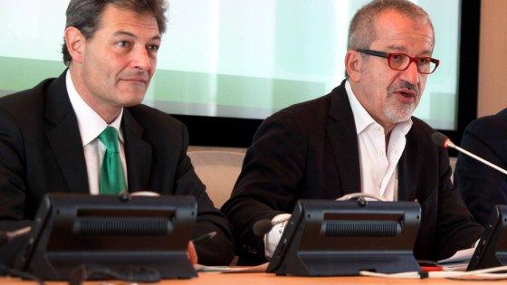 Tangenti sanità in Lombardia, 21 arresti: c'è anche Rizzi, fedelissimo di Maroni. Salvini: sospeso dalla Lega