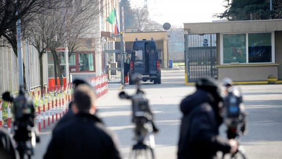 """Tangenti sanità Lombardia, Rizzi: """"Politicamente finito"""". Maroni al lavoro con Cantone"""