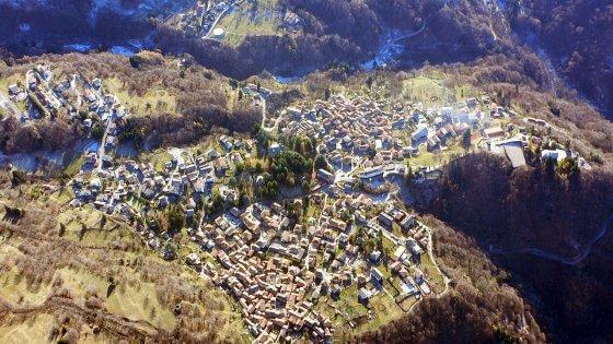 Raduno mondiale di Wikipedia nel paesino di Esino Lario, 300mila euro dalla Regione