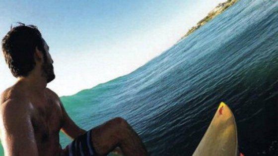 """Milano, dalla Bocconi alla Tanzania: """"Qui il lavoro va a braccetto con il surf"""""""