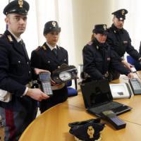 Lecco, 'taroccavano' i contachilometri per il mercato delle auto usate: quattro arresti