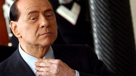 """Ruby ter, olgettine e Berlusconi di nuovo in aula. La richiesta dei legali: """"Via il processo da Milano"""""""