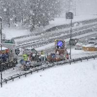 Neve in Lombardia, disagi in autostrada e per le ferrovie